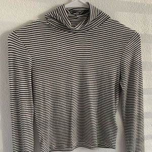 White and black Long sleeve turtle neck